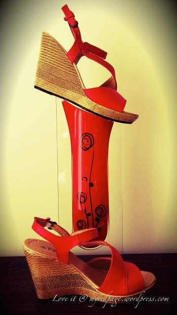 red high wedge
