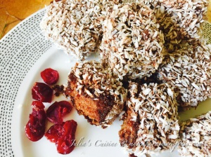 Lamington with cranberries